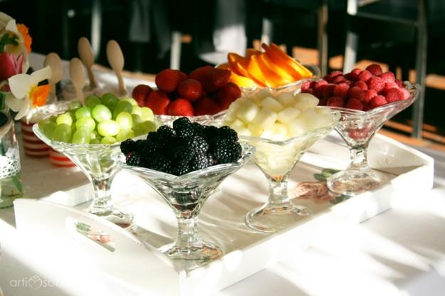 Vaisių asorti - gimtadienio vaišės ir stalo dekoras