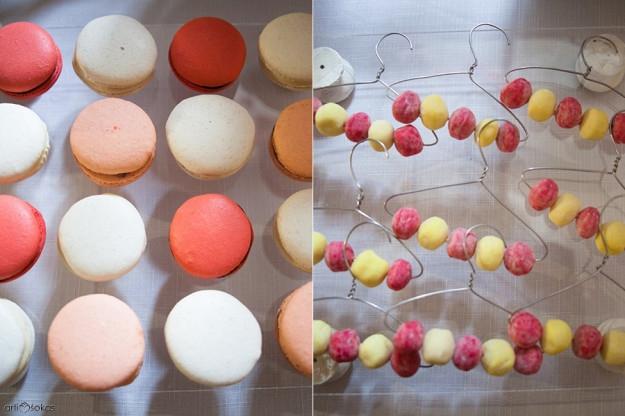 Saldaus stalo dekoras - macaronsai ir kukurūzai