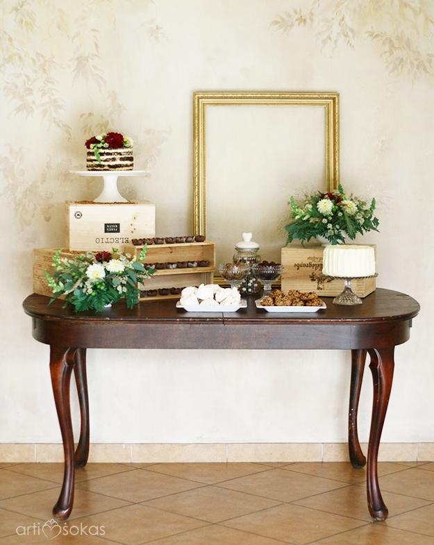 Vestuvių dekoras šokolado spalvomis - saldusis stalas