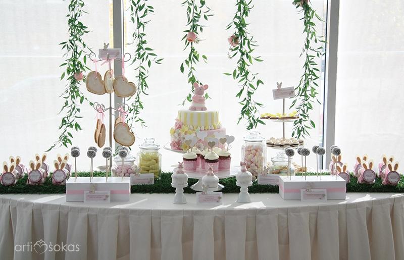 Saldaus stalo dekoravimas ir švenčių organizavimas