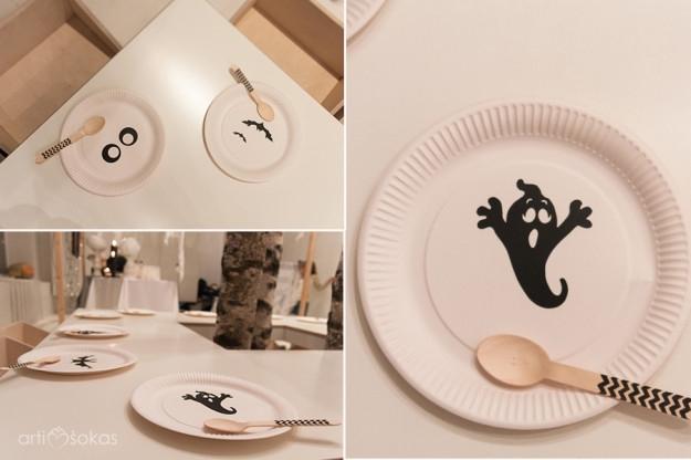 Vaiduoklių vienkartinės lėkštės su dryžuotais mediniais šaukšteliais